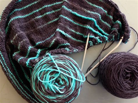 mastering color knitting mastering variegated yarn with 5 knitted shawl patterns