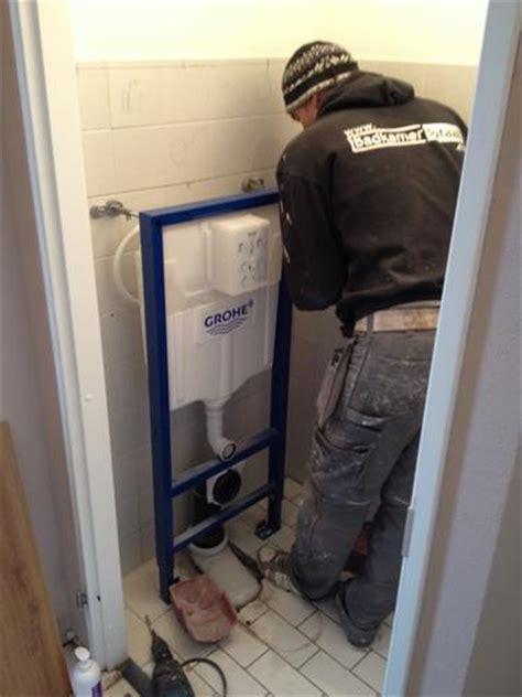 Zwevend Toilet Afvoer by Plaatsen Hangend Toilet Werkspot
