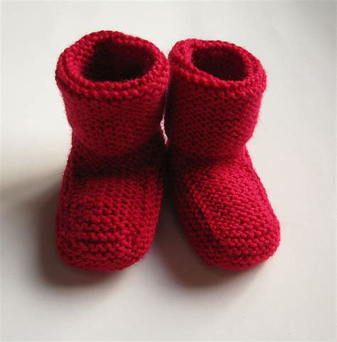 knitted slippers for toddlers stay on baby booties free knitting pattern knitting bee