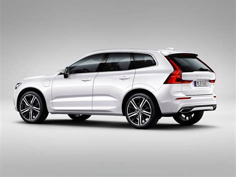 Volvo Xc 60 by The Next Great Volvo Is Here The New Xc60 Business Insider