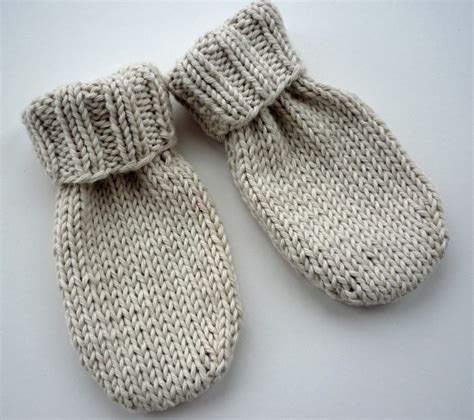 easy toddler mitten knitting pattern mack and mabel baby mittens knitting pattern