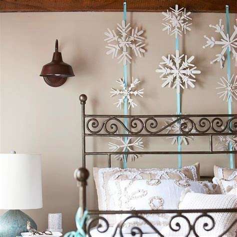 winter home decorating ideas 33 ways to use snowflakes for winter home decorating
