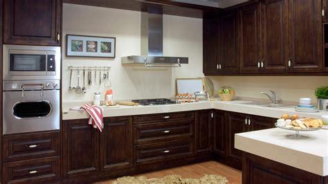 cocinas de co rusticas muebles cocinas rusticas modelo dover madera barnizada