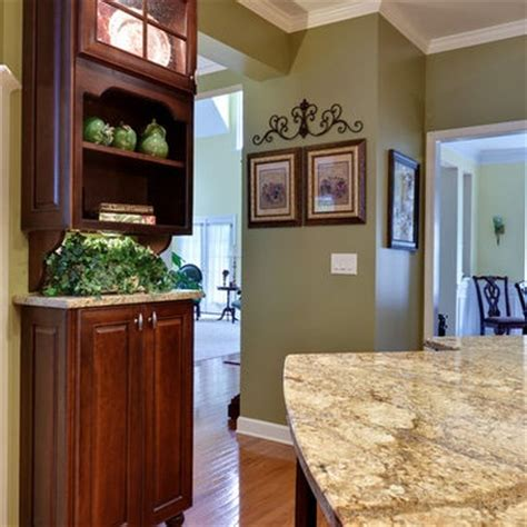 paint colors for kitchen walls with cherry cabinets 1000 images about kitchen on traditional