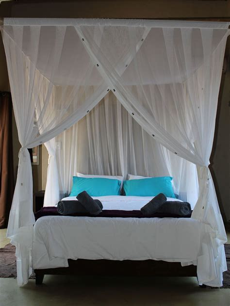 four poster bed with curtains houseofaura canopy curtains best 25 canopy bed