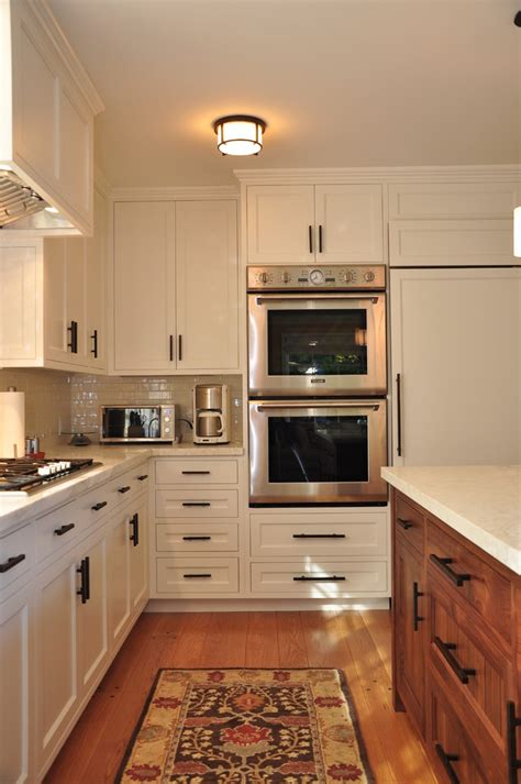 kitchen cabinet hardware placement kitchen cabinet hardware placement kitchen traditional