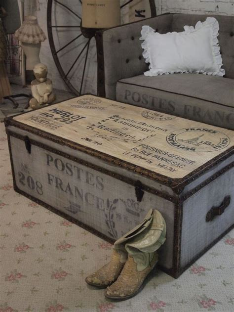 shabby chic trunks 25 best ideas about steamer trunk on