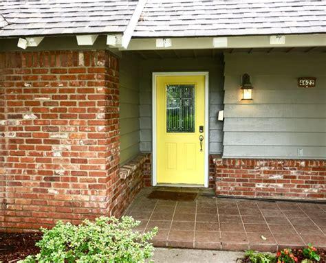 sherwin williams paint store tulsa midtown tulsa exterior paint with yellow door dukes