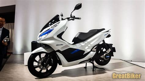 Pcx Yeni Kasa 2018 by Honda Shows Pcx 2018 Pcx Hybrid And Pcx Electric