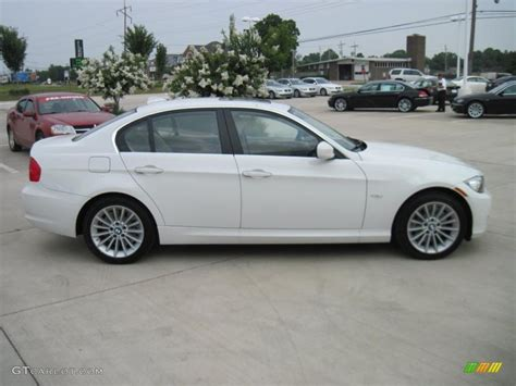 2011 Bmw 328i Coupe by Alpine White 2011 Bmw 3 Series 328i Coupe Exterior Photo
