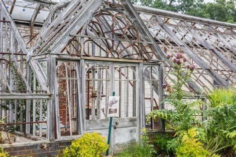 luton hoo walled garden bedfordshire history visiting