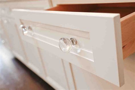 glass knobs for kitchen cabinets white kitchen cabinets with glass knobs quicua