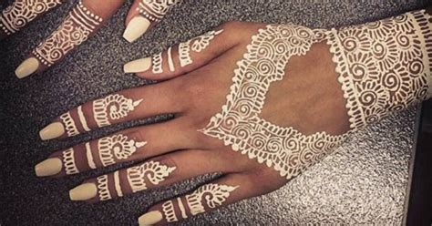 this new henna trend will make you ditch the traditional