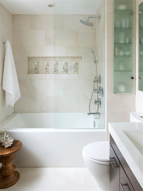Spa Tubs For Small Bathrooms by Small Bathroom Decorating Ideas Hgtv
