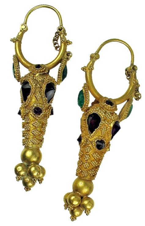 ancient jewelry ancient jewelry 22kt gold hollow earrings