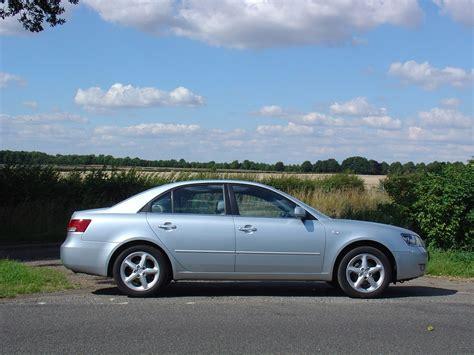 Hyundai Sonata 2010 Review by Hyundai Sonata Saloon Review 2005 2010 Parkers
