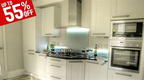 classic white shaker kitchen cabinets classic white shaker kitchen cabinets