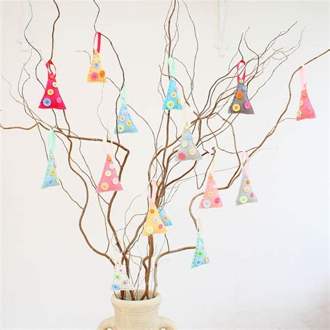 tree decorations to make make your own felt tree decorations by crafty