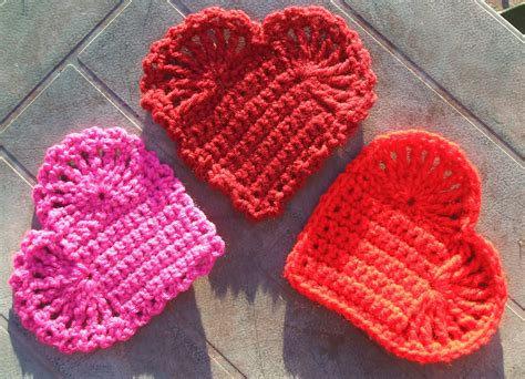 free knitting and crochet patterns pins and needles knitting crocheting and weaving