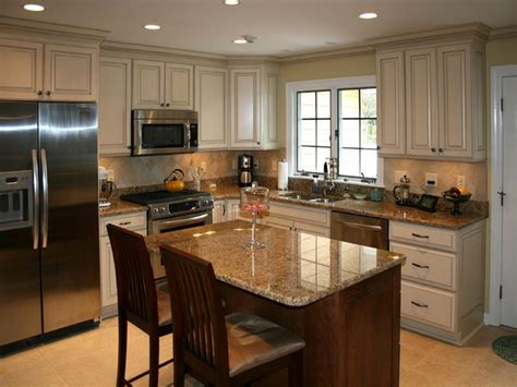 best paint colors for kitchen with cabinets kitchen how to find the best color to paint kitchen