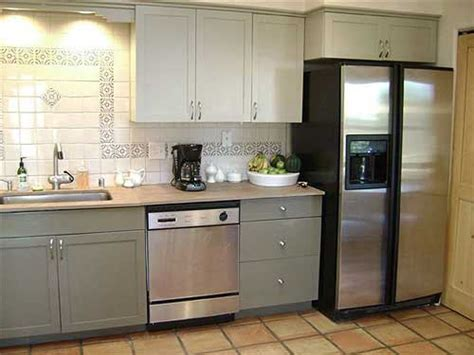 paint kitchen cabinets two colors ideas for painted kitchen cabinets rustic crafts chic