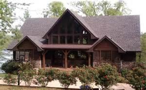 a frame lake house house