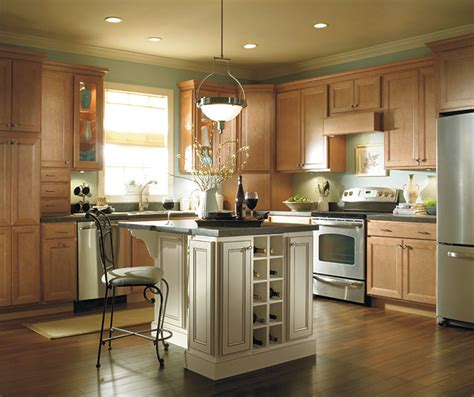 maple kitchen furniture light maple kitchen cabinets homecrest cabinetry