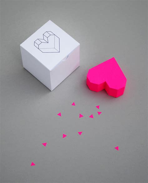 boxed geometric heart minieco