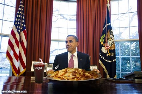 barack obama having lunch in the oval office pictures