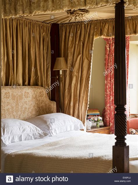 four poster bed with curtains home design