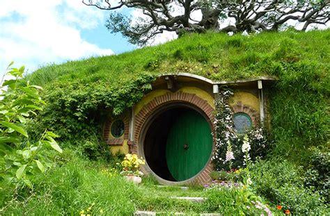 hobbits home une maison de hobbit recr 233 233 e en angleterre