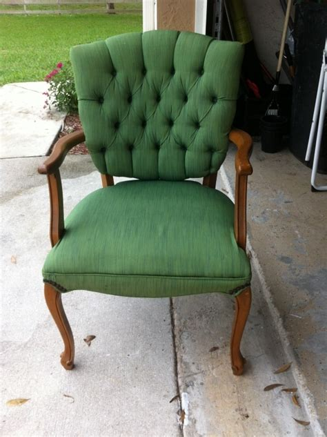 spray painting fabric furniture 17 best images about painting upholstered furniture on