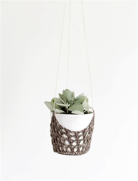 diy hanging planters diy crochet hanging planter 187 the merrythought