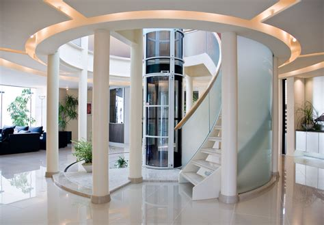 houses with elevators un ascenseur priv 233 oui mais par aspiration s il vous plait