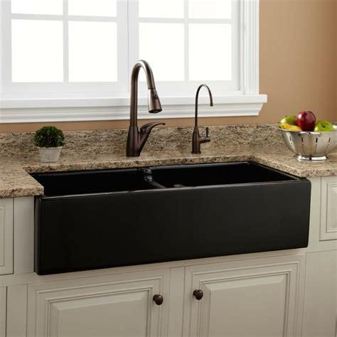 kitchen sinks black best 25 black kitchen sinks ideas on black