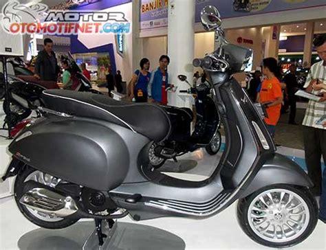 Modifikasi Vespa Warna Abu Abu by Spesifikasi Vespa Sprint 150 3v I E Bikerspit
