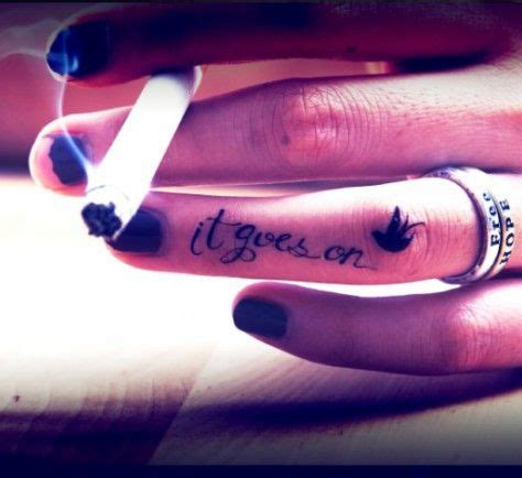 34 tiny finger tattoo inspirations for tattoo starters