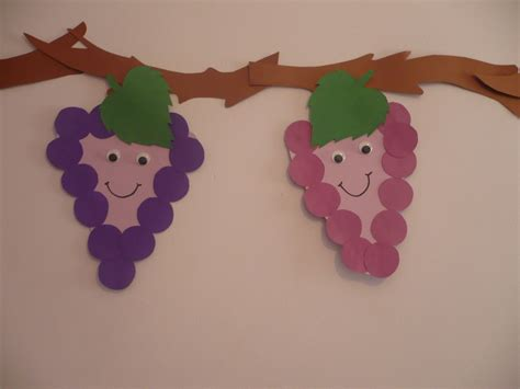 construction paper crafts for preschoolers smiling grapes family crafts