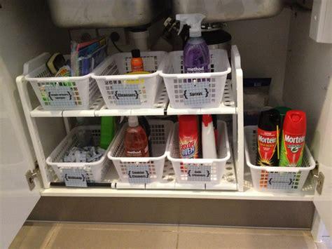 the kitchen sink organization www ourfourwallsandaroof the sink