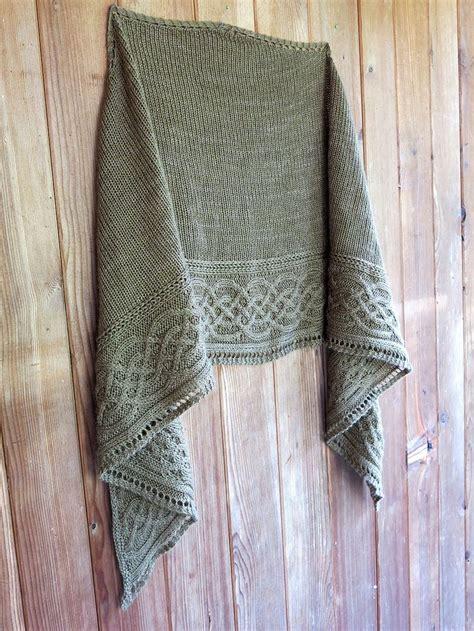knitting shawls best 25 shawl ideas on crochet shawl shawls