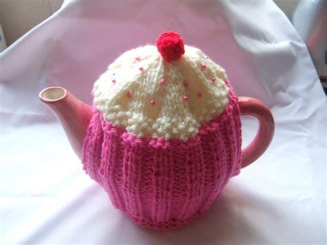 tea cozy knitting pattern cupcake tea cosy knitting pattern