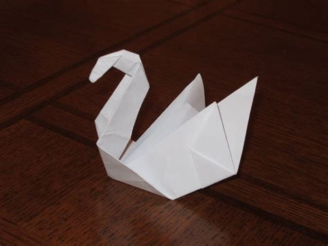 how to make origami swan origami swan by notsahar on deviantart