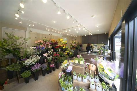interior design with flowers white light 꽃ㄱㅏ게 flower shops shop ideas