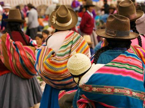 peruvian crafts for whirls and twirls around the world peru crafts weaving
