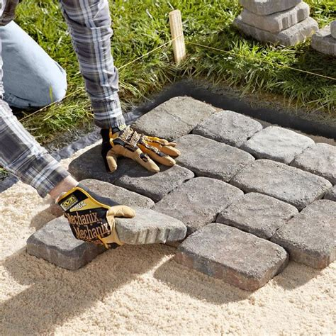 how to patio pavers 25 best ideas about laying pavers on brick
