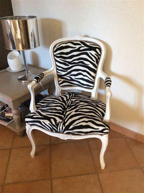 r 233 novation fauteuil ancien