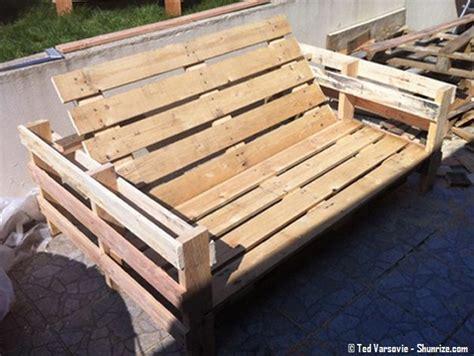 bricolage creer du mobilier de jardin avec des palettes en bois shunrize recup