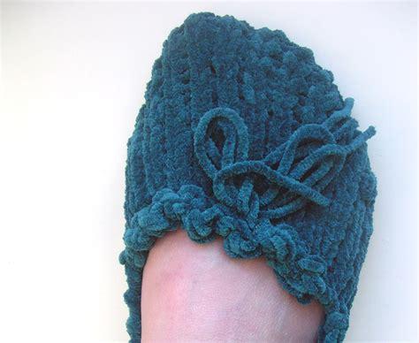 bind loom knitting pegs needles loom knitting how to knit stitch bind