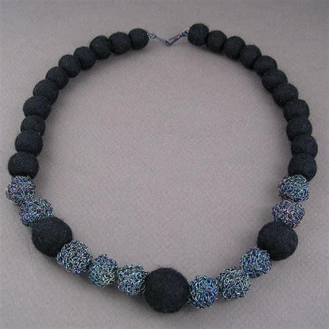 Yoj10 09 Felt Crochet Bead Necklace Dianne Karg Baron