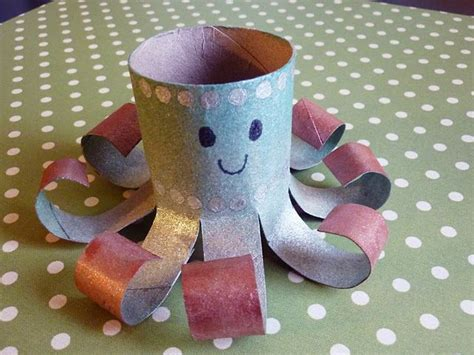 crafts with paper towel rolls 25 best ideas about paper towel rolls on